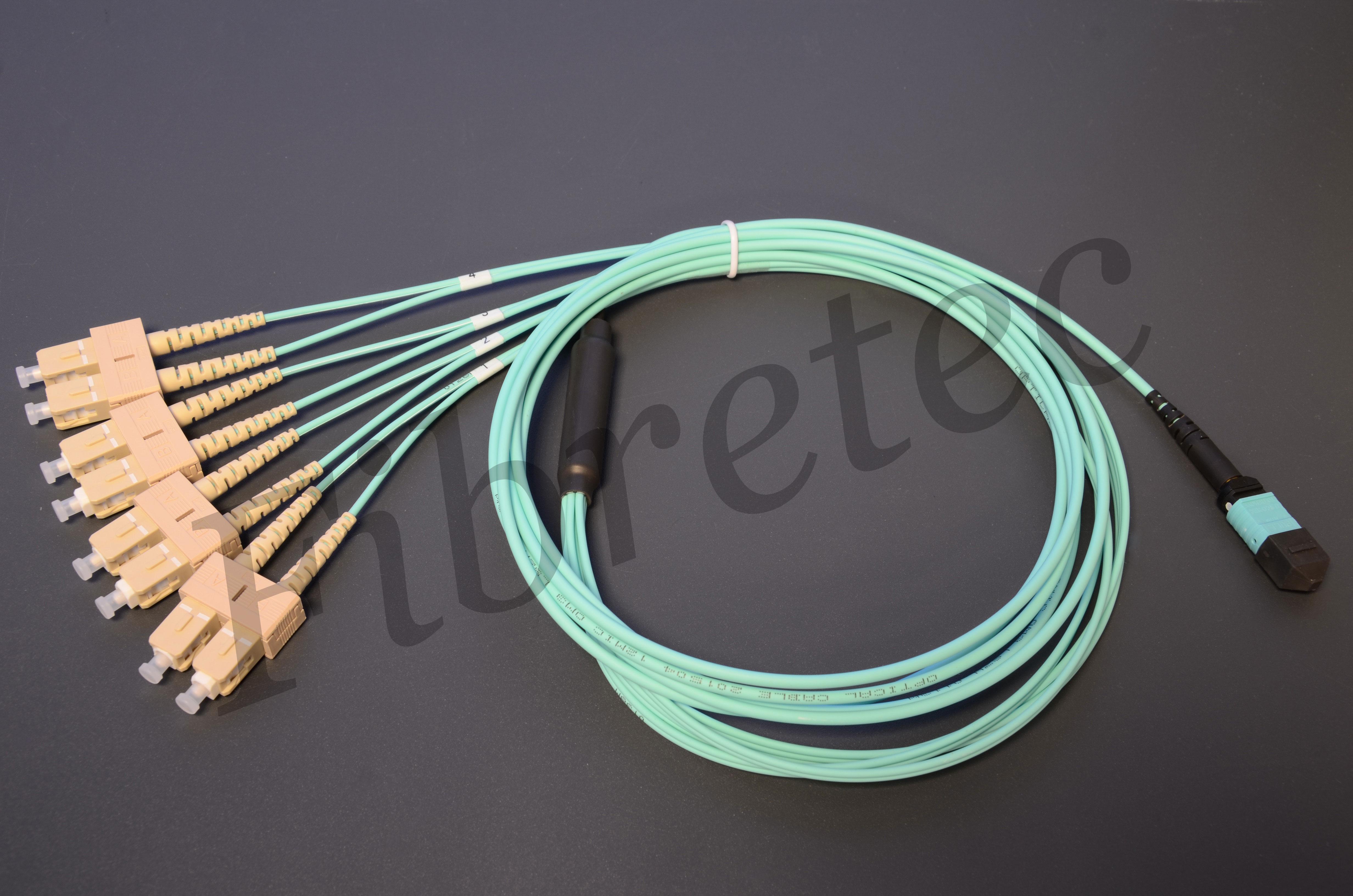 Cordon MPO/MTP femelle/ SC 8 FO OM3 de 2 mètres US CONEC