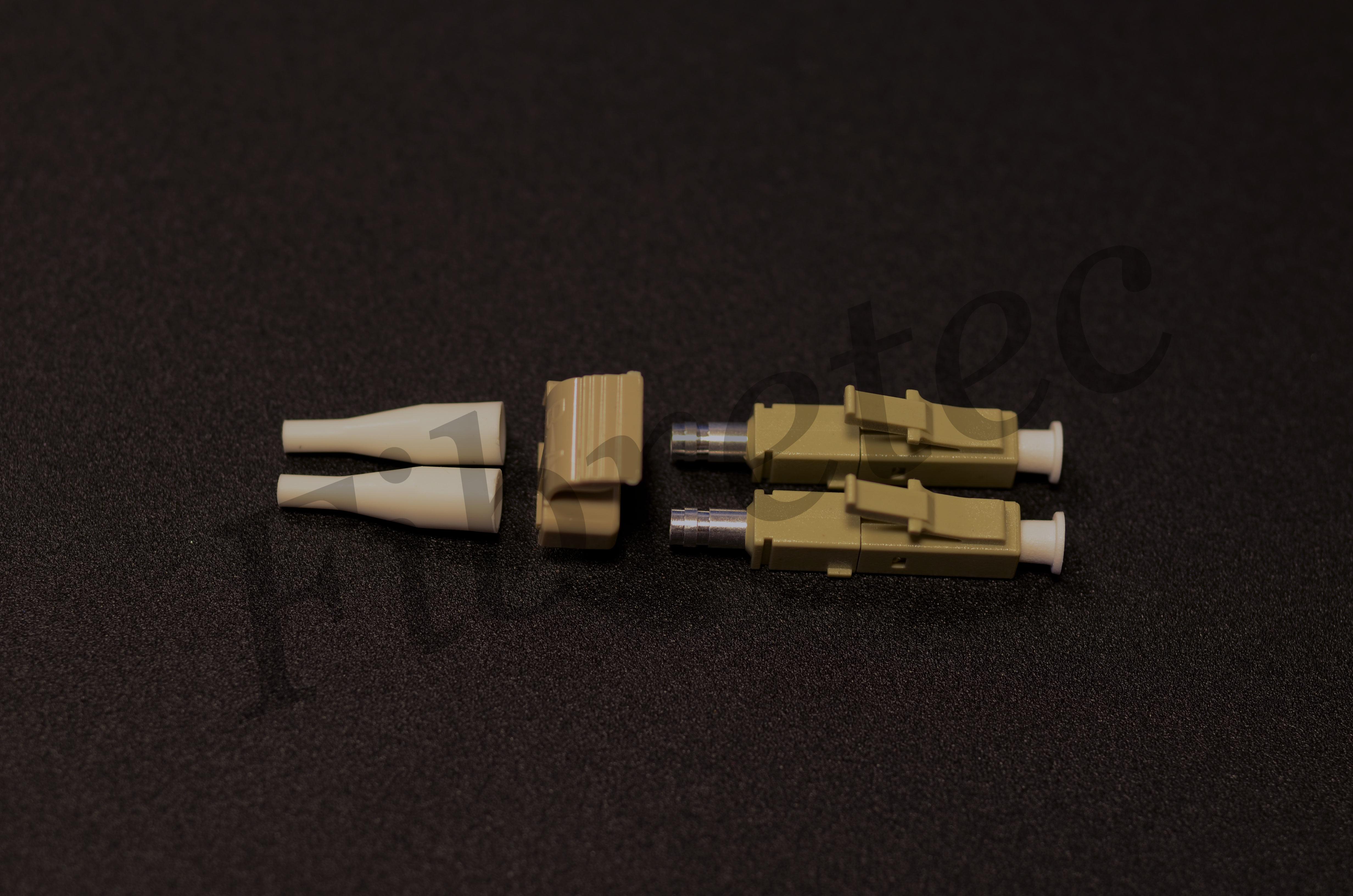 Connecteur LC duplex multimode pour fibre 900 µm