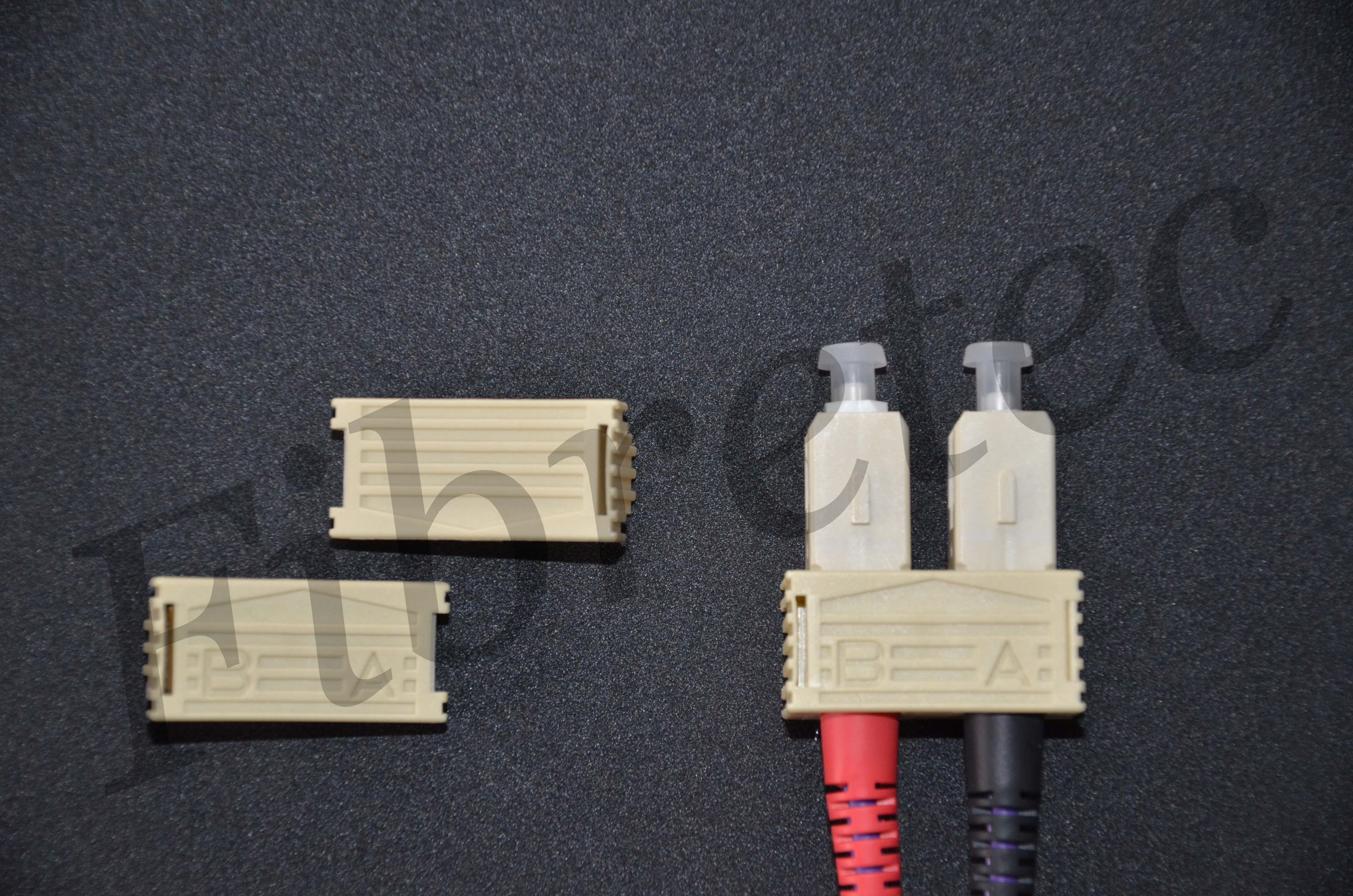 Bracelets d'accouplement pour connecteurs SC multimode